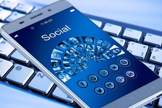 sociale media escorts aan het lapdancen