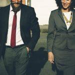Is een relatie met een collega een goed idee?